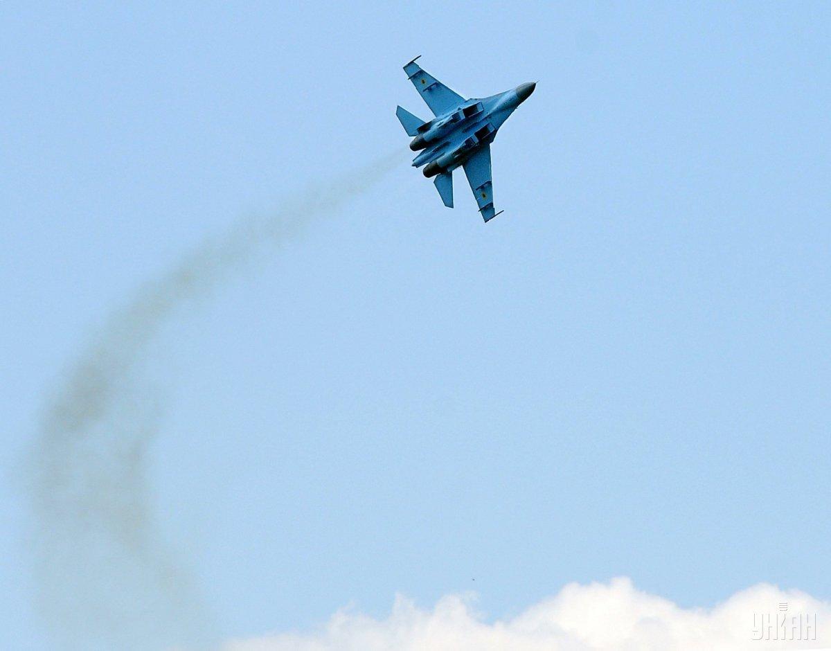 Истребитель Су-27 разбился вчера на Житомирщине / фото УНИАН