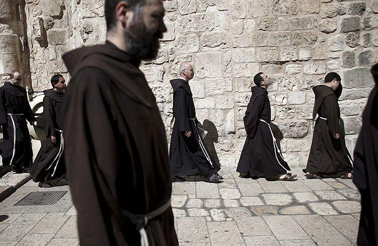 Католицькі ченці / фото з відкритих джерел