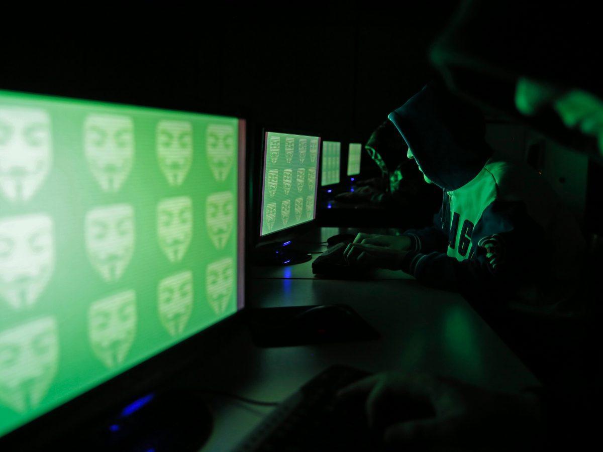 Украинским хакерам в США грозит до 20 лет за решеткой / REUTERS