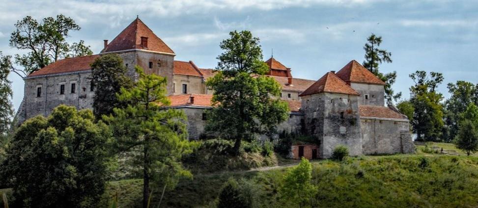 Для туристов в замке подготовили выставку / ТСН