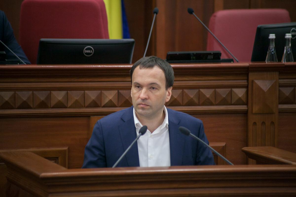 Пантелеев отметил, что домов, которые приняли участие в программе, уже больше 330 и количество их увеличивается / фото КГГА