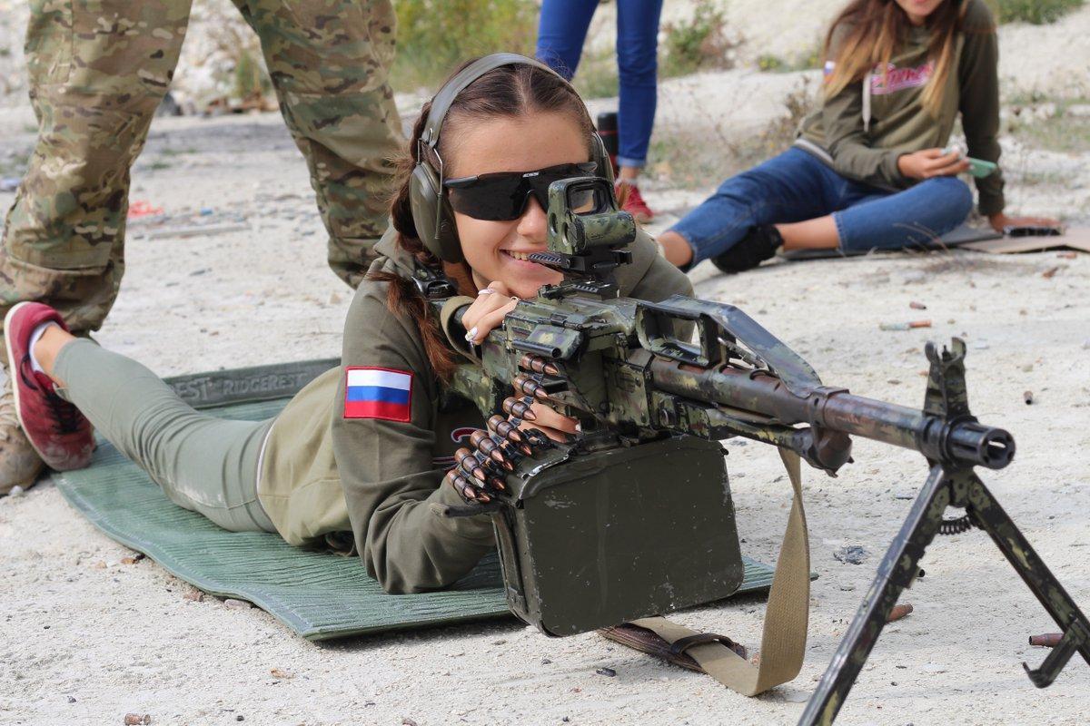 Аналогичные лагеря, в которых детей учат стрелять, оккупанты открывали и в Крыму / фото RoksolanaToday&Крым