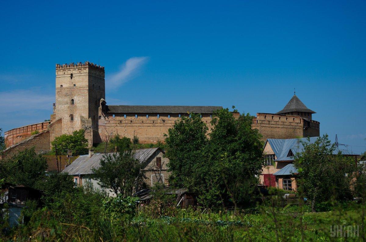 Луцкие депутаты разрешили открыть ряд объектов во время карантина / УНИАН