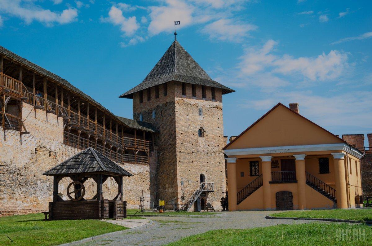 Замок Любарта - главная туристическая достопримечательность Луцка / Фото УНИАН