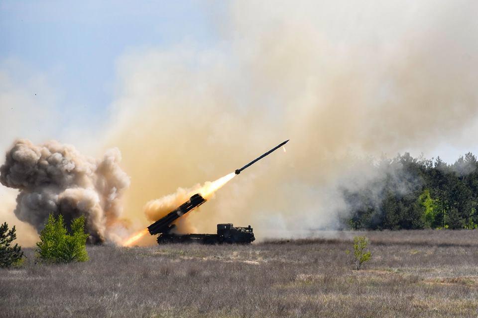 """Украинская армия вскоре получит ракетныйкомплекс""""Ольха"""" / фото facebook.com/KabminUA"""