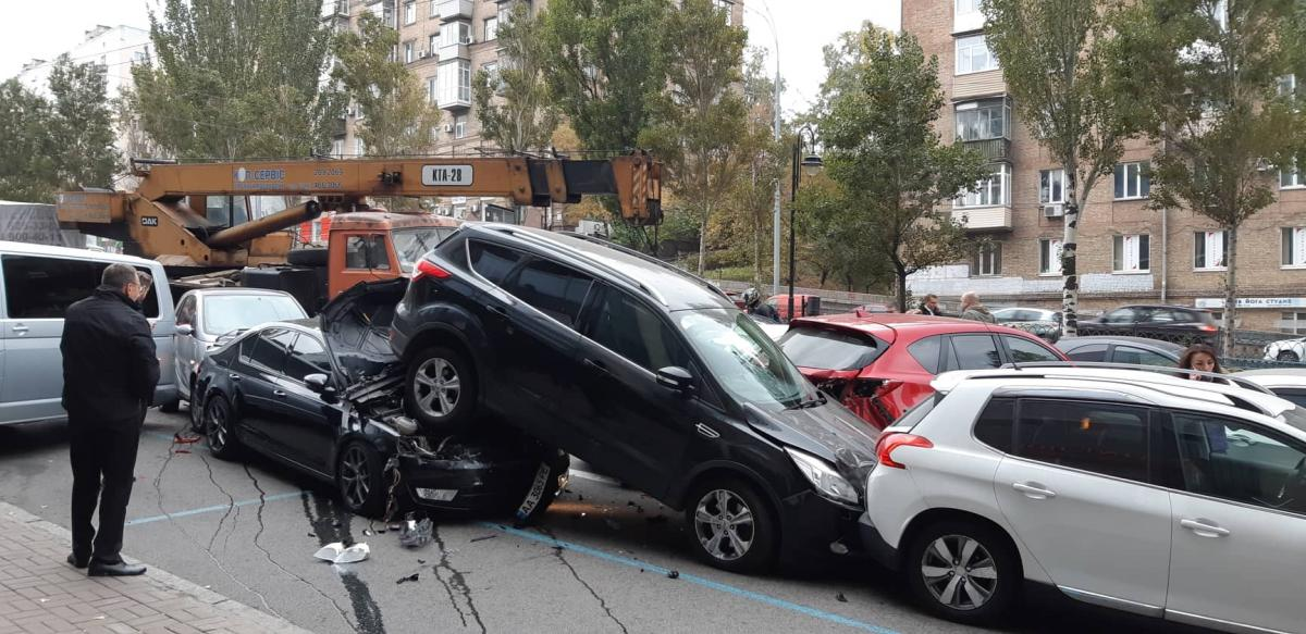 Авария чудом обошлась без жертв / Фото: Natalia Pakhaichuk