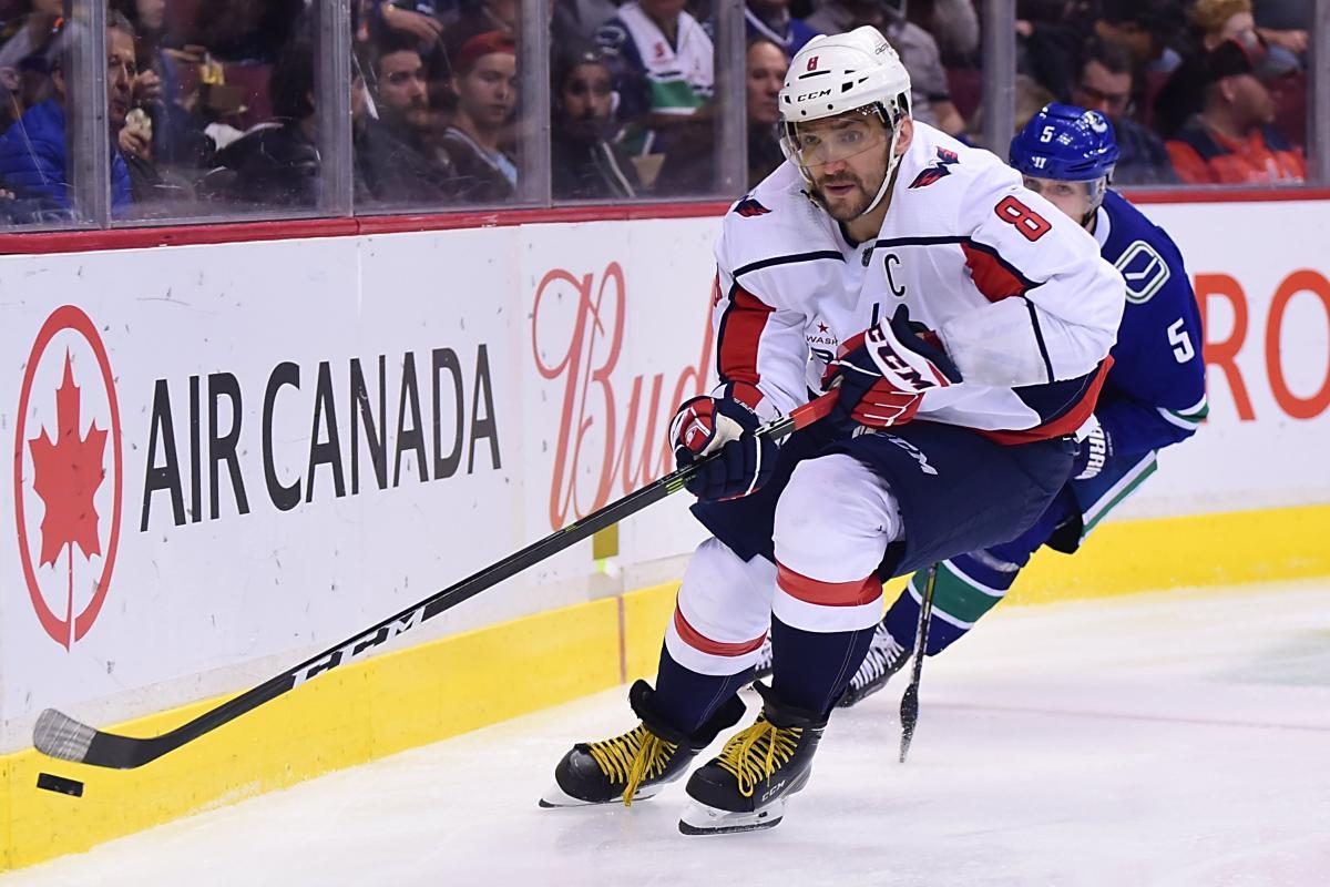 Овечкин забросил двее шайбы в гостевом матче в Ванкувере / Reuters