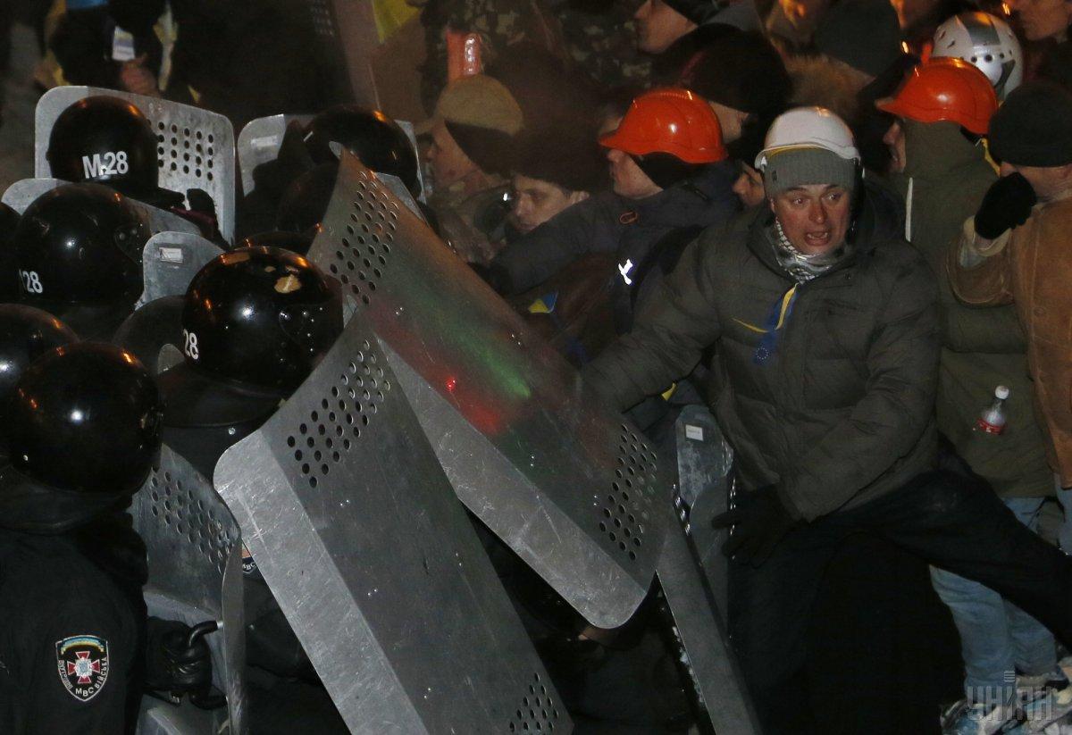 Штурм Евромайдана силовиками / фото УНИАН