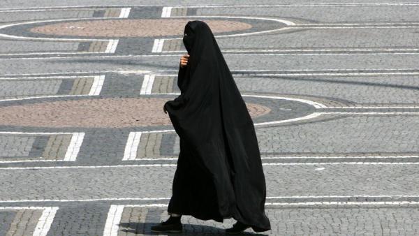 Запрет на никаб действует во Франции с 2010 года/ islam-today.ru