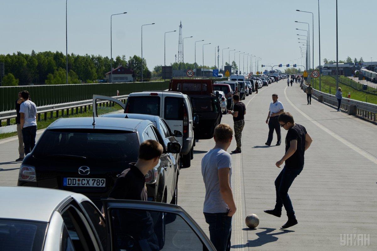 Около 70% пассажиропотока на западной границе – местные жители / фото УНИАН
