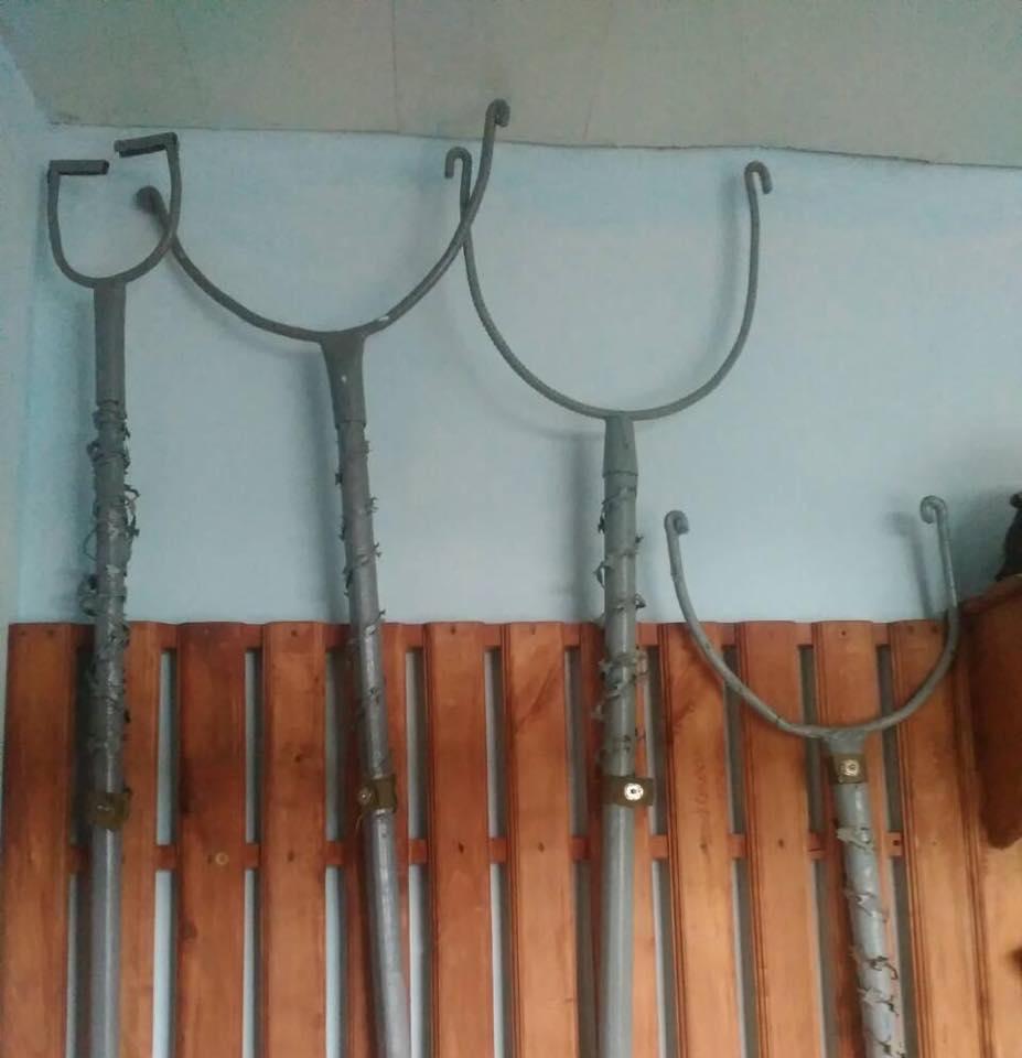 На Полтавщині в`язнів могликатуватизаціпами та рогачами / Facebook - Лариса Сарган