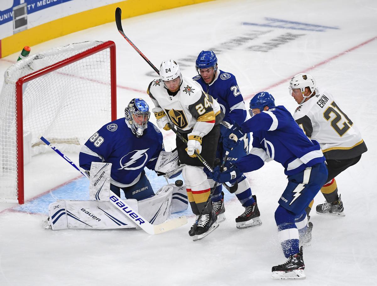 Тампа впервые в истории обыграла Вегас в матче НХЛ / Reuters