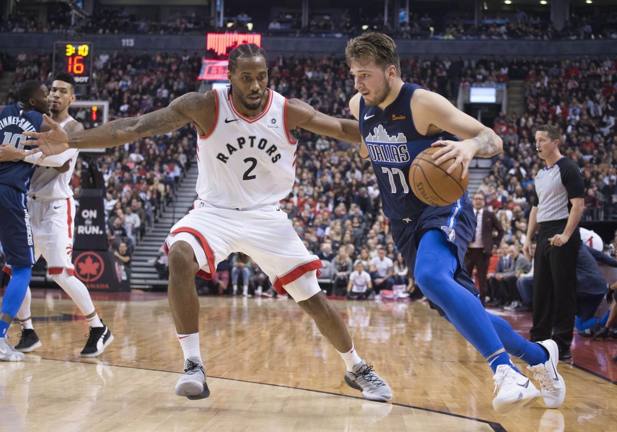 Игроки Торонто Рапторс выиграли шесть матчей подряд на старте нового сезона НБА / Reuters