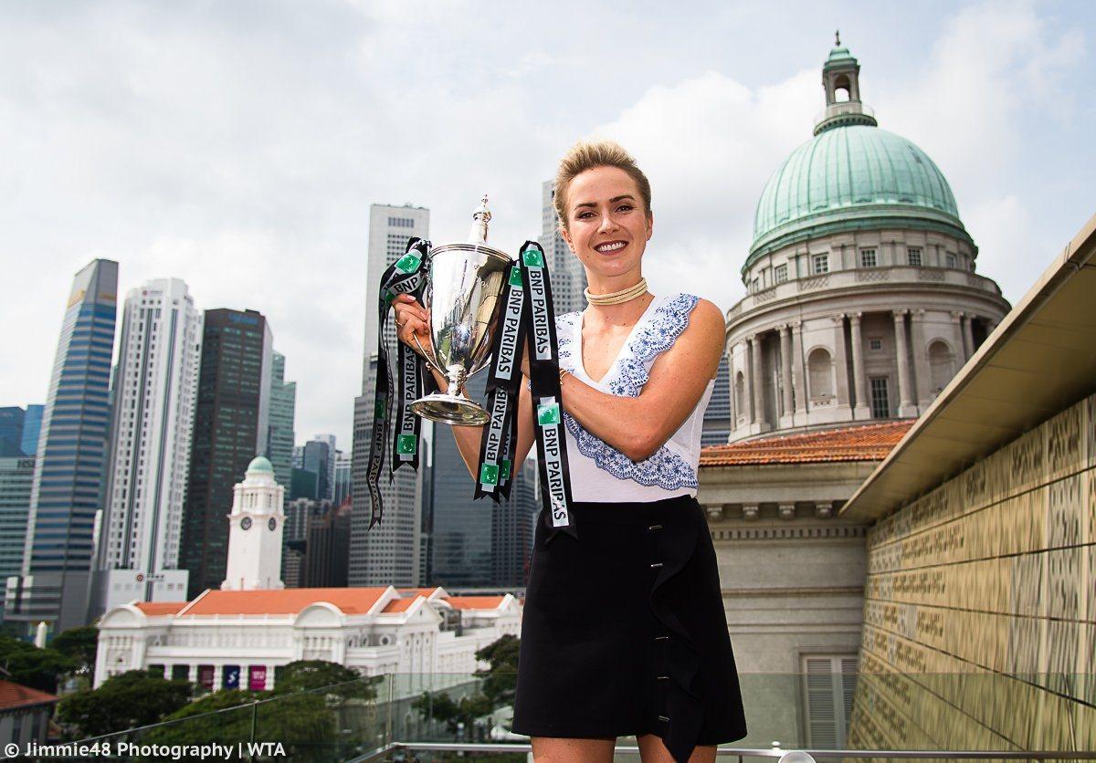 Элина Свитолина с трофеем в Сингапуре / Jimmie48 Photographie WTA