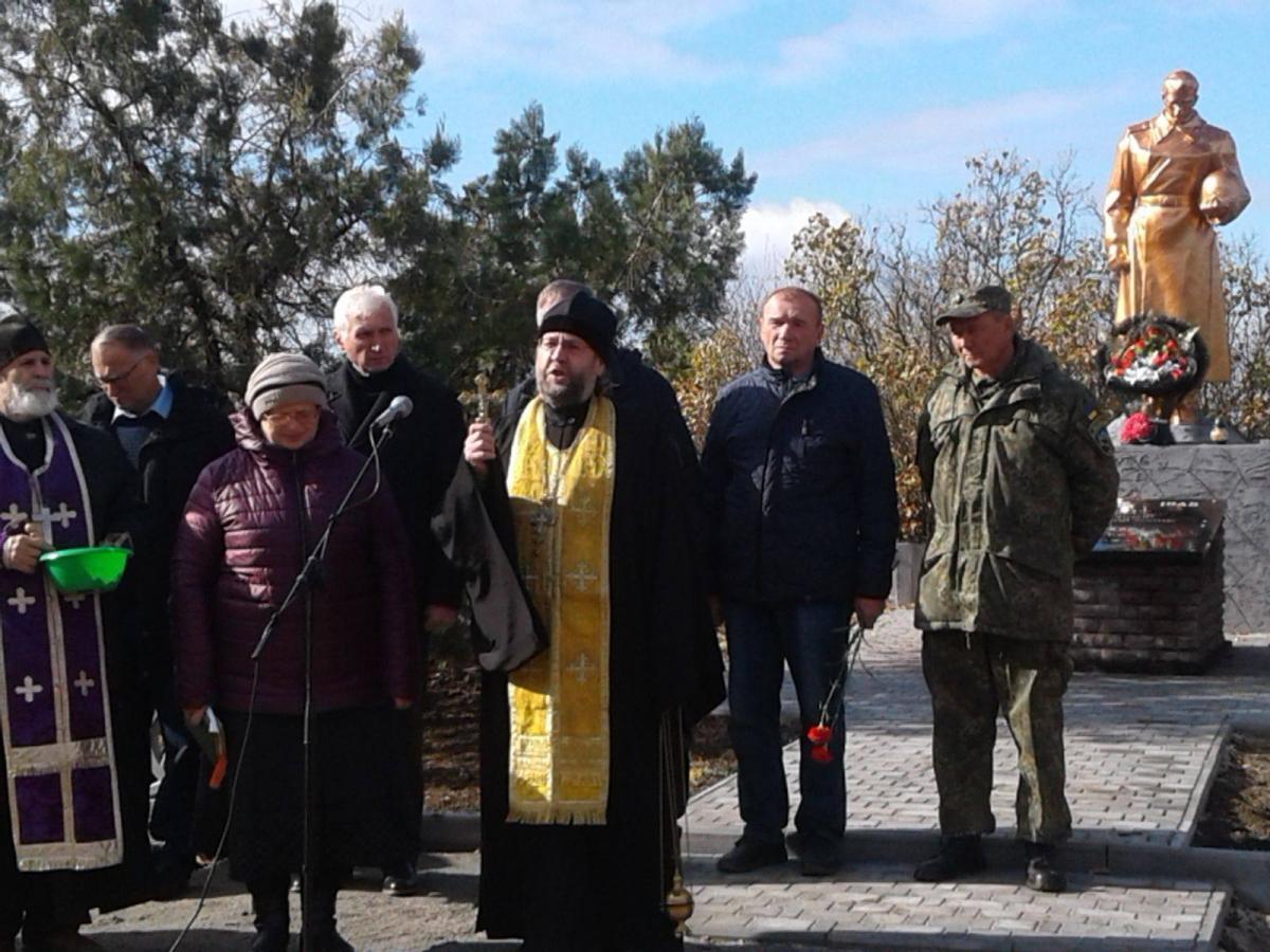Останки 65 воиновперезахоронили по православным традициям/ hramzp.ua