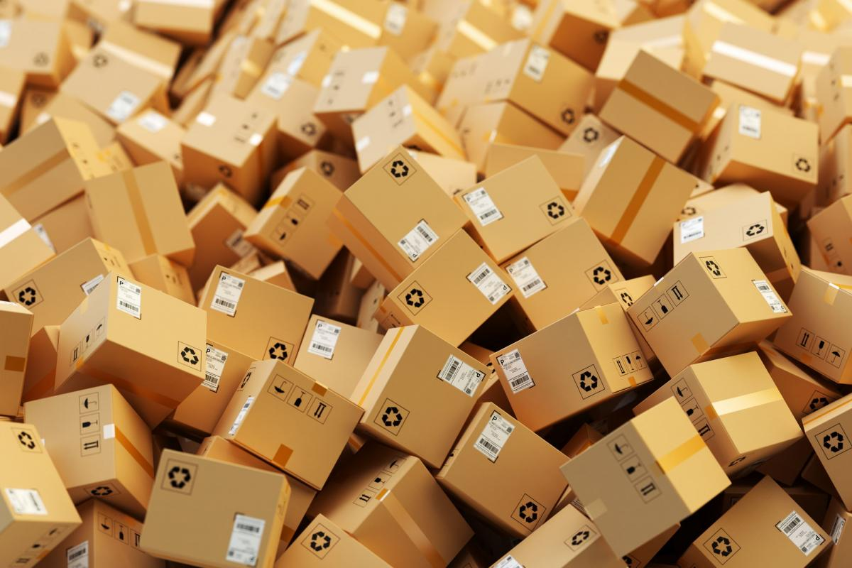 Введення ПДВ на посилки негативно відіб'ється на наповненні товарами
