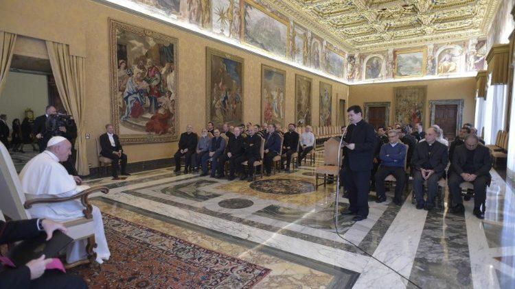 Папа Римский на встрече с монашествующими / vaticannews.va