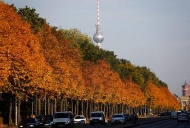 Принимающий лоукостеры аэропорт Берлина поменял название