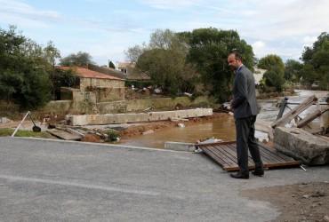 Разрушительное наводнение накрыло юг Франции: погибли не менее 13 человек (фото, видео)