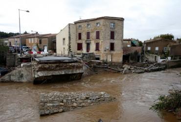 Наводнение на юге Франции: уточнено число погибших (видео)