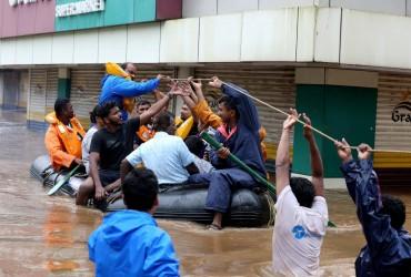 """Число жертв циклону """"Титлі"""" в Індії зросло до 57 осіб"""