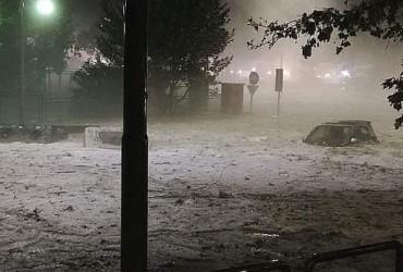 Після аномального дощу Рим скувало льодом (фото, відео)