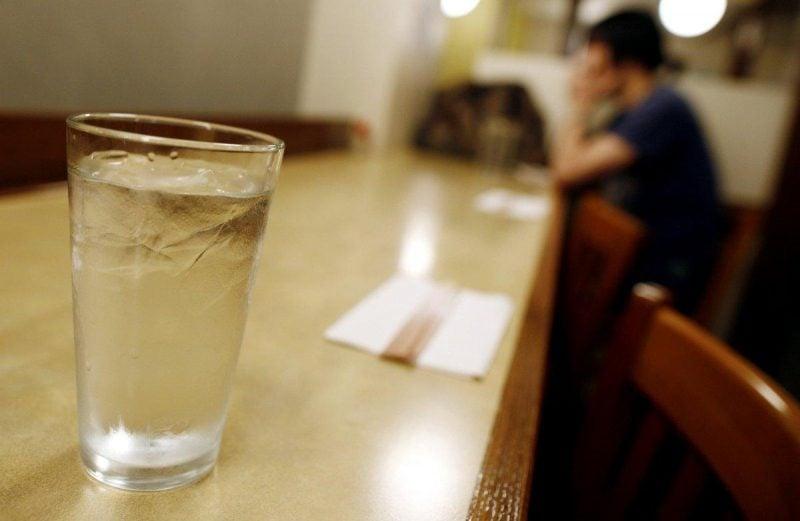 При похмелье нужно пить много воды