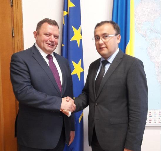 Завершив свою каденцію посол Угорщини в Україні / фото twitter.com/vasylbodnar