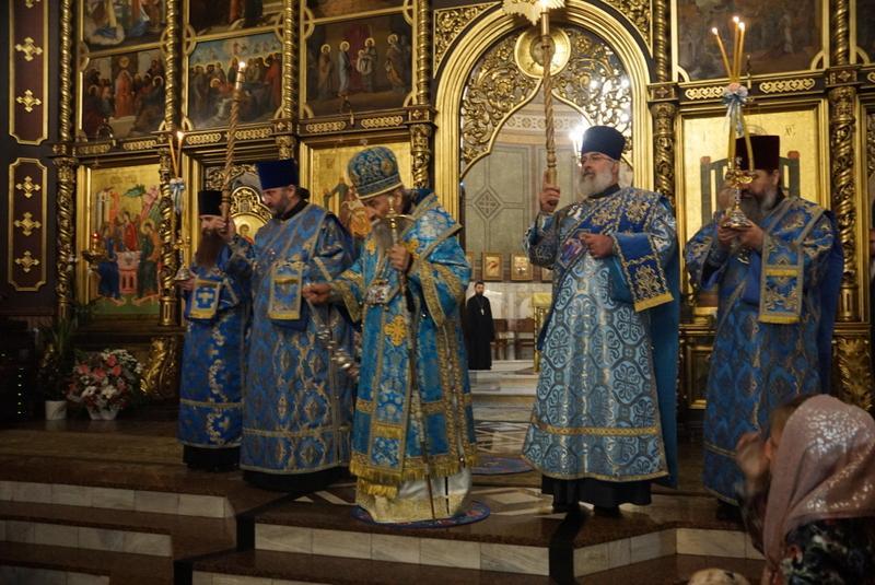 В Черновцах Митрополит Онуфрий молился с буковинской паствой / news.church.ua