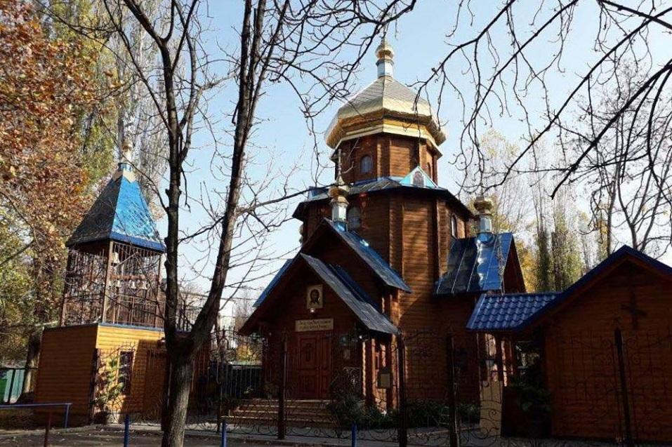 Неизвестные пытались поджечь колокольню православного храма / eparhiya.od.ua