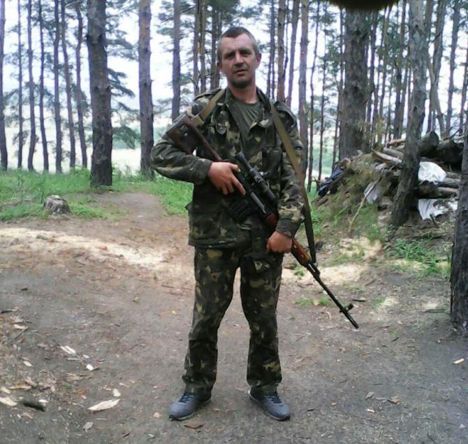 По словам сослуживцев,48-летнего Гаврилюка, избил его комразведки Андрей Мурашкин / Фото из семейного архива погибшего Ярослава Гаврилюка