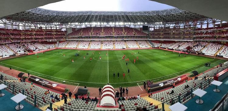 Матч Турция – Украина пройдет на Анталья-Арене, открытой в 2015 году и вмещающей 32 539 зрителей / zbirna.com