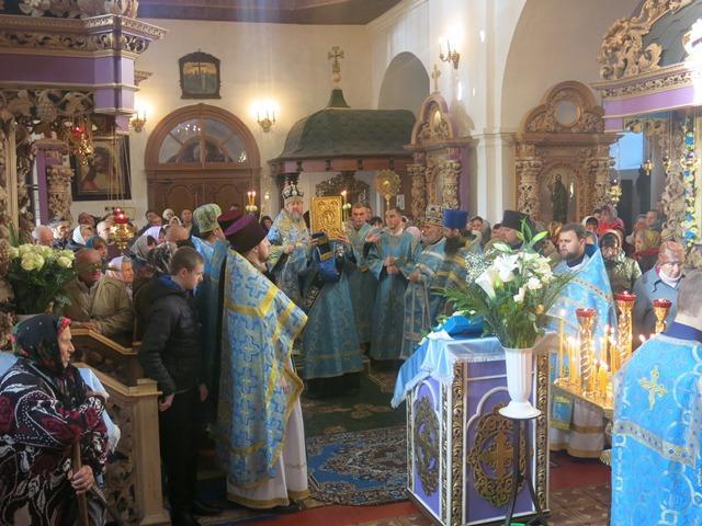 На праздник в обитель пришли многочисленные верующие / pravoslavie.poltava.ua