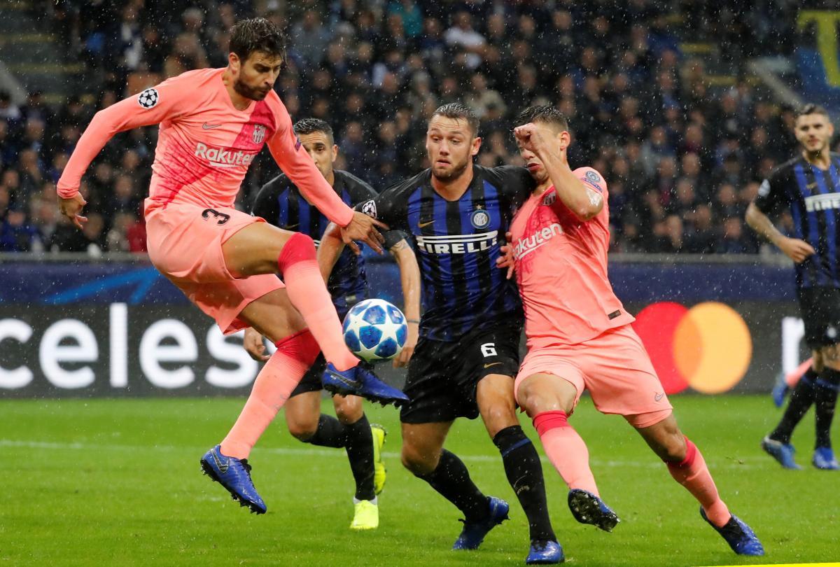 Интер и Барселона сыграли вничью в матче Лиги чемпионов / Reuters