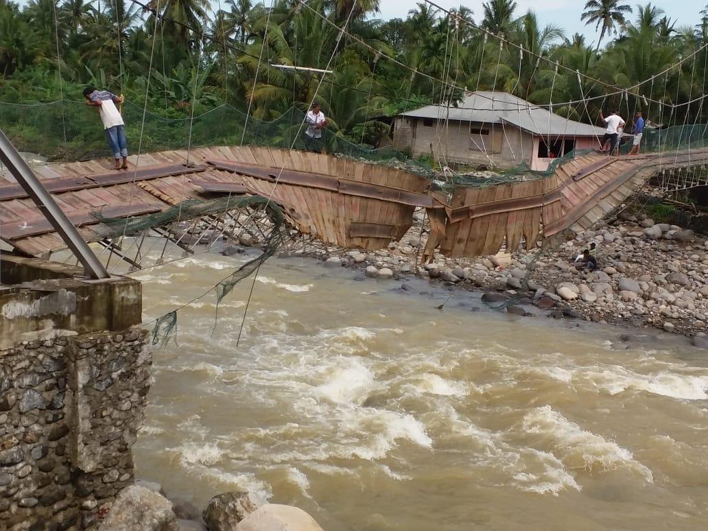 Индонезия пострадала от наводнения / twitter.com/Sutopo_PN