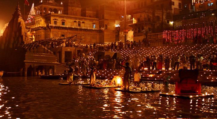 Свято Дівалі в Індії / PlanetofHotels
