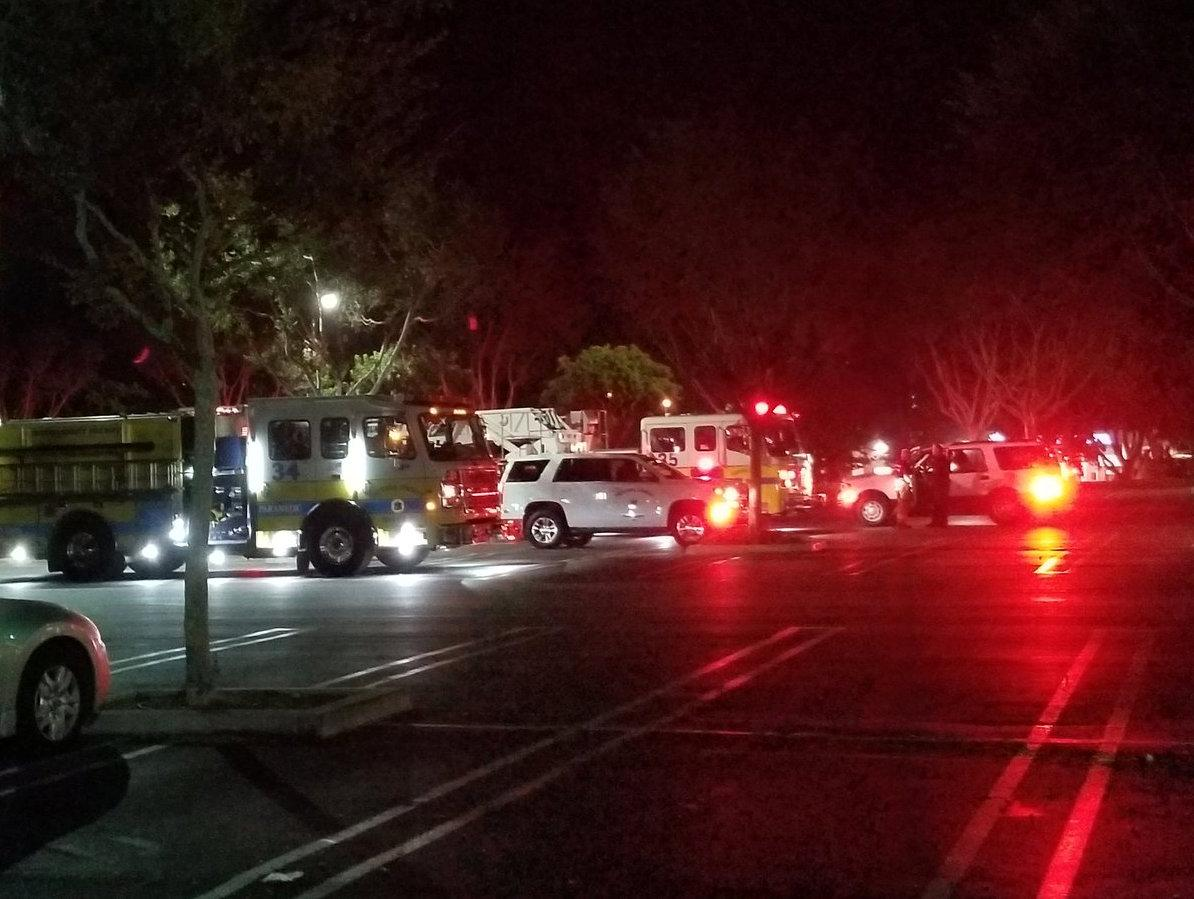 В Калифорнии одинокий стрелок устроил бойню в баре/ REUTERS