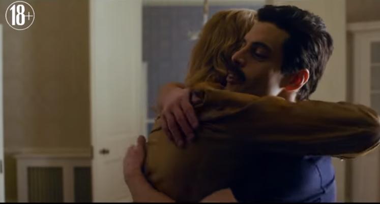 """У російському кінотеатрі підлітка з батьками не пустили на фільм про Queen через """"чоловіків, що цілуються"""" / скріншот"""