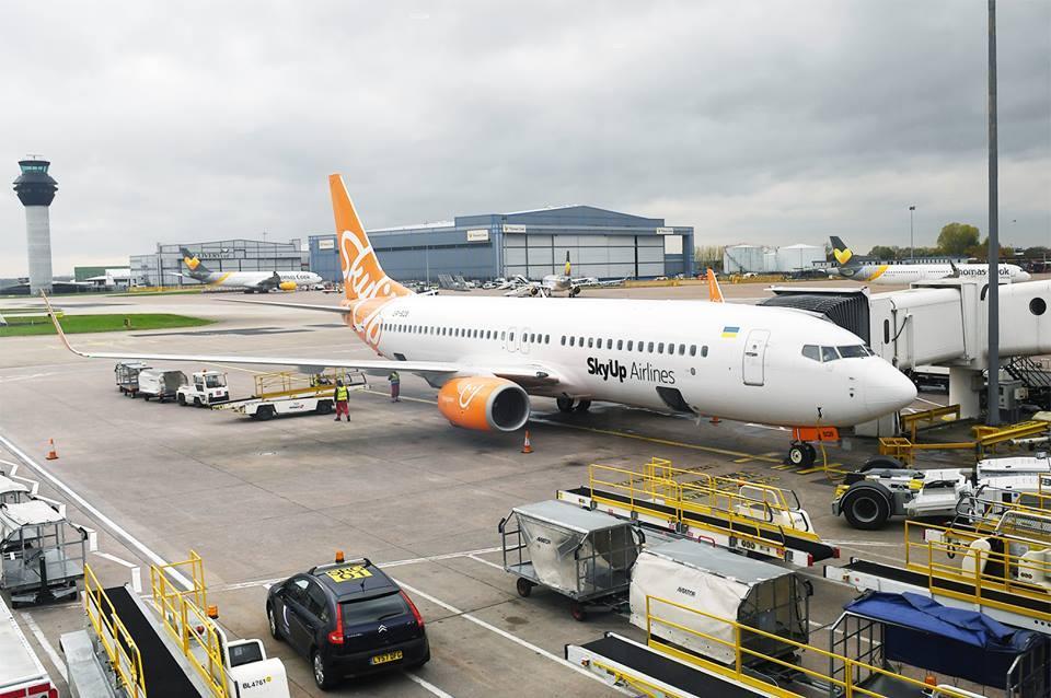 Лайнер SkyUp внезпано вернулся в аэропорт после взлета / SkyUp