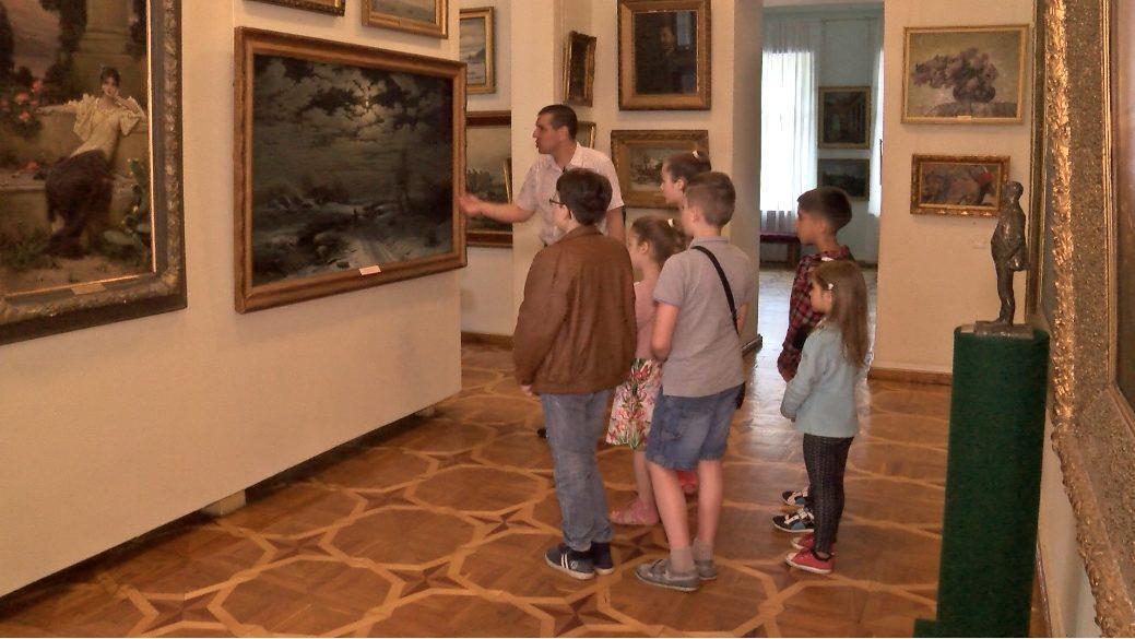В Сумском художественном музее открылась выставка / RU:СУММЫ