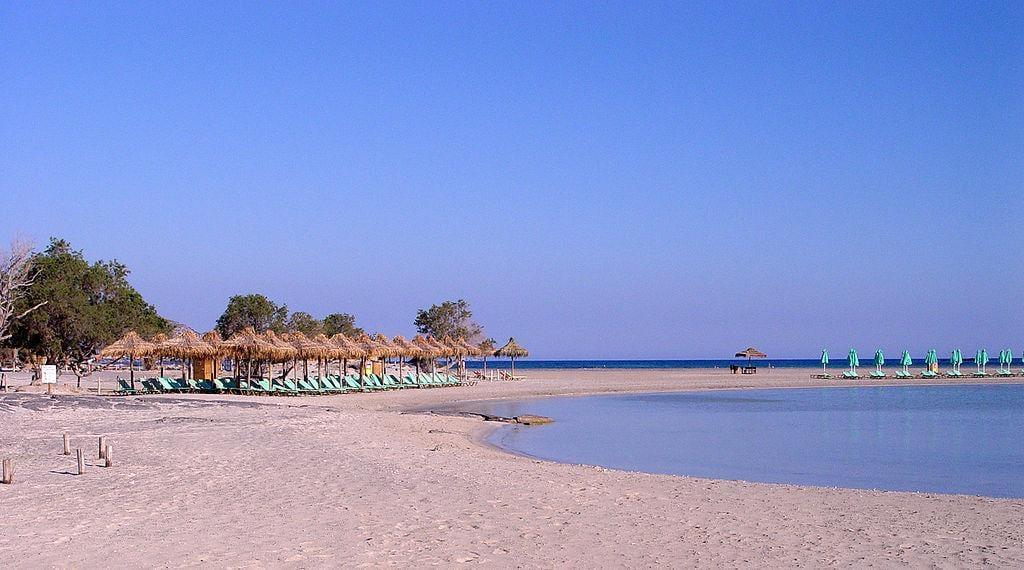 """Розовый"" пляж Элафонисси / Фото wikipedia.org"