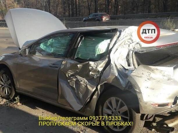 У Києві атомобіль нардепа Лещенка зіткнувся з вантажівкою / фото dtp.kiev.ua