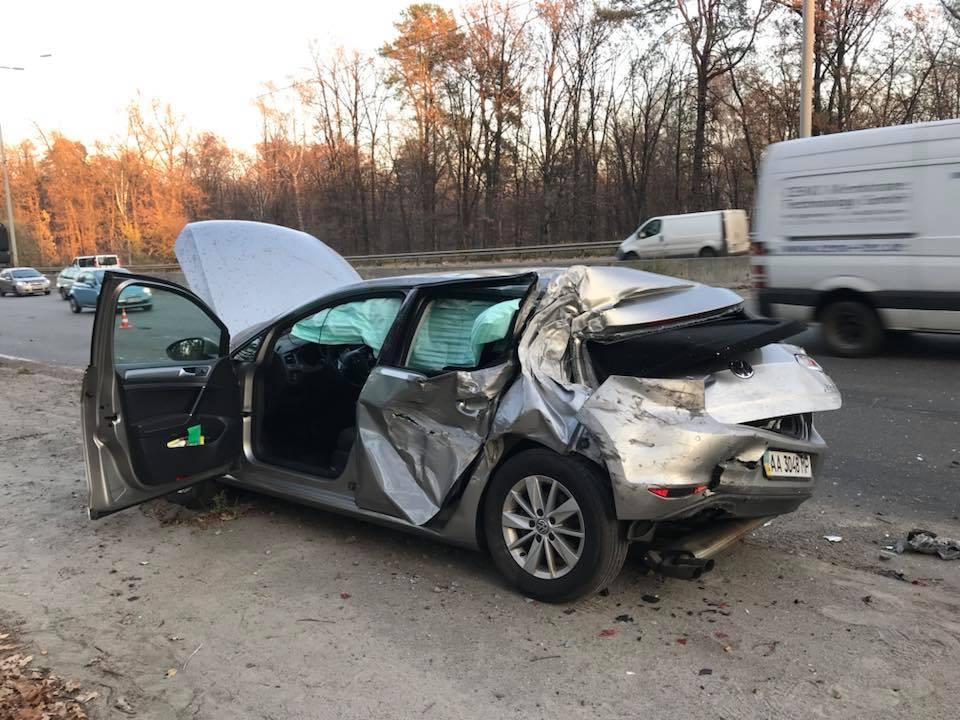 В автомобиль Лещенко врезался грузовик / фото facebook.com/leshchenko.ukraine