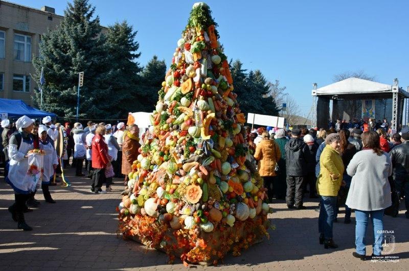 """Больше всего """"Борщове дерево"""" / фото пресс-служба Одесской ОГА"""