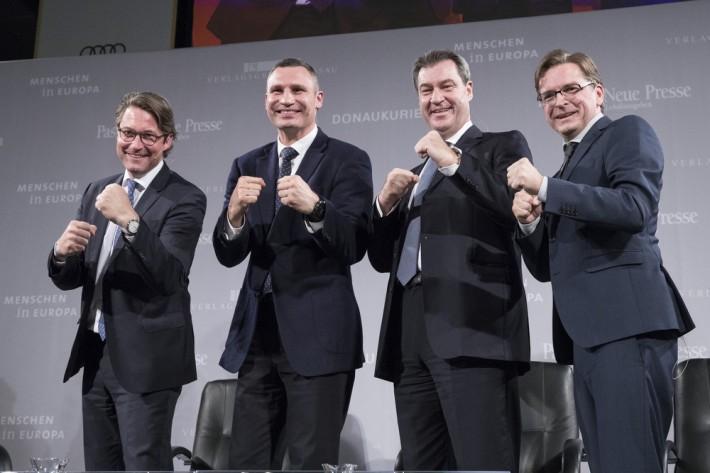 Кличко подчеркнул, что Украина продолжит изменения, которые сегодня воплощает в условиях российской агрессии / kiev.klichko.org