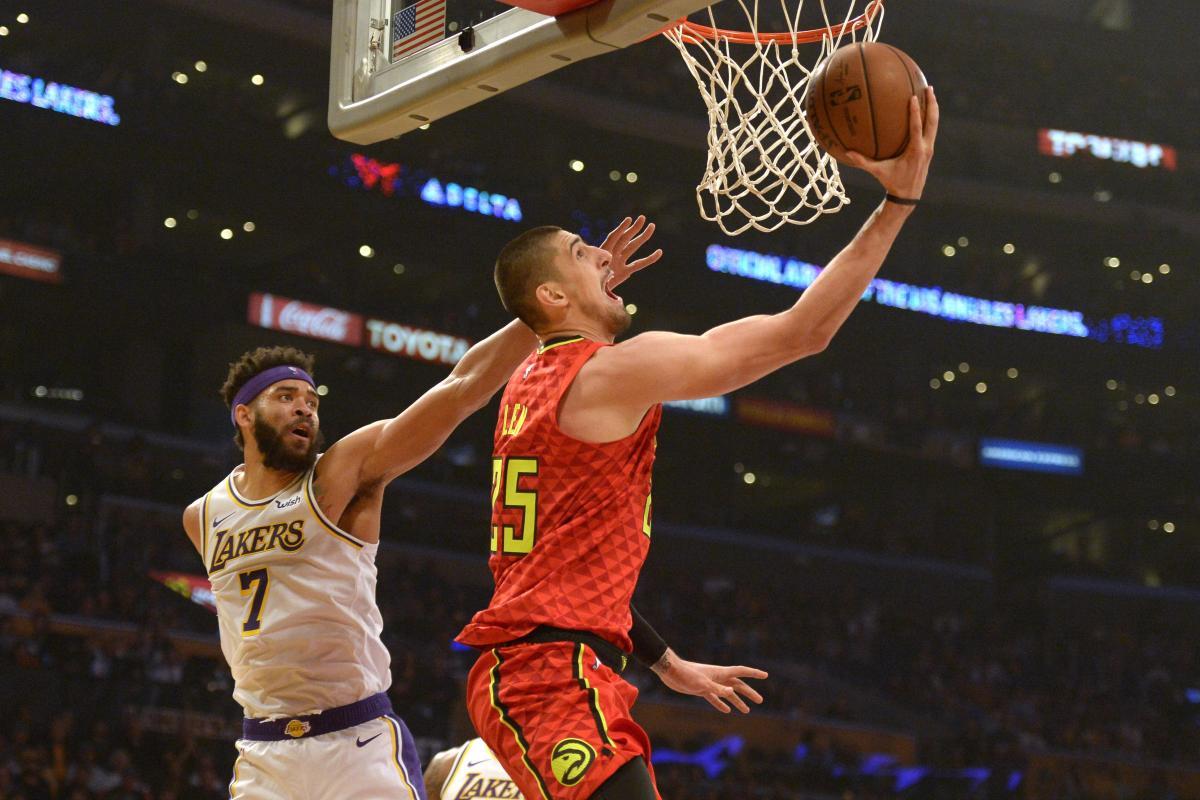 Лэнь набрал 17 очков в матче Атланты против Лейкерс / Reuters