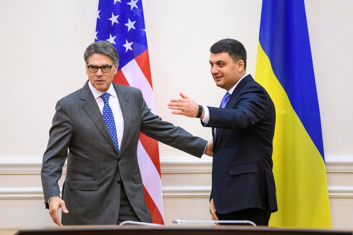 РикПерри и Владимир Гройсман /REUTERS