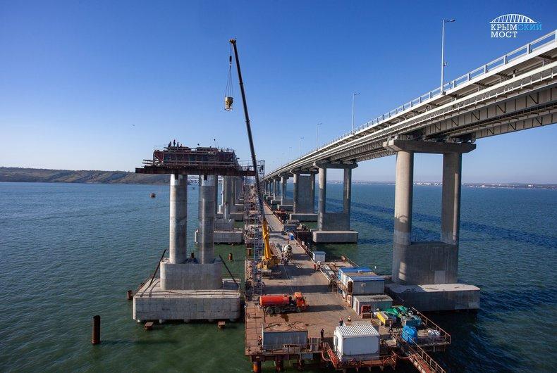 Готовы все железнодорожные пролеты Крымского моста / фото most.life