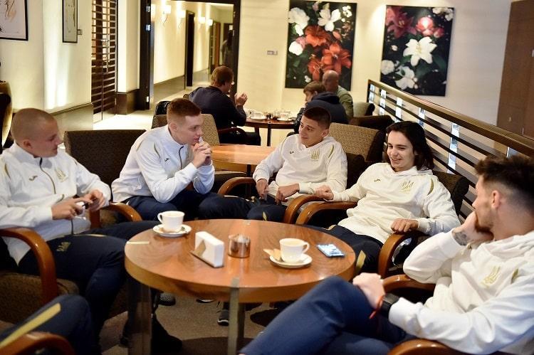 Гравці збірної України зібралися в столичній резиденції / ffu.ua