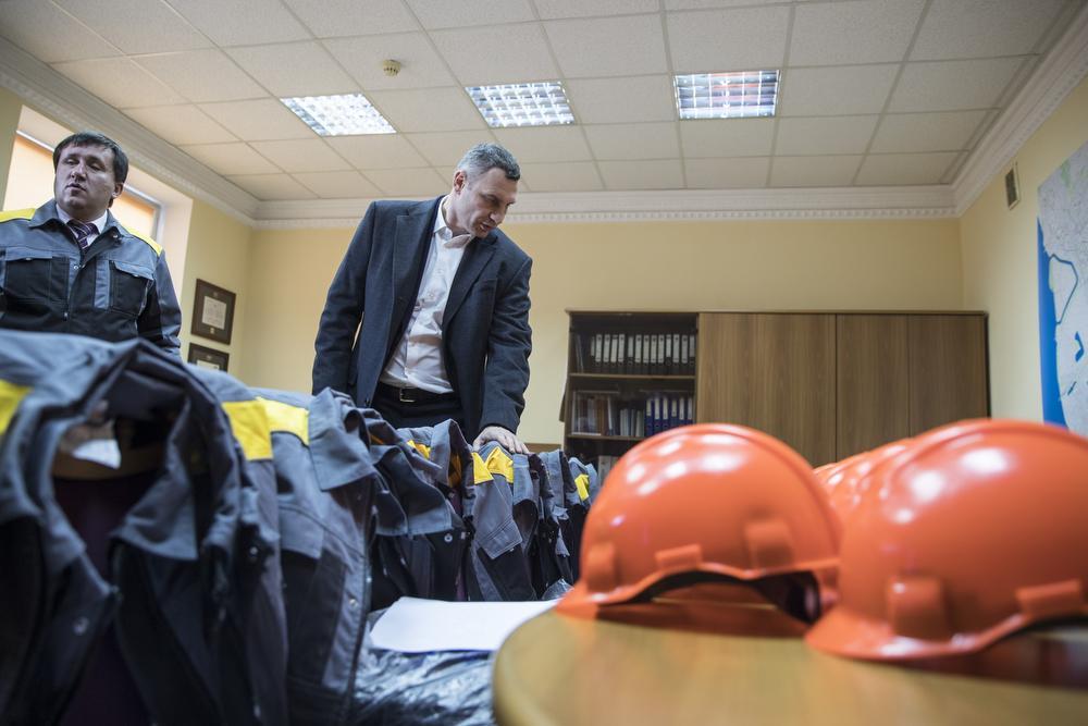 Кличко: на Дарницкой ТЭЦ установили фильтр, что в 30 раз снижает вредные выбросы в воздух / kiev.klichko.org